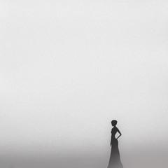 Три веточки были на выбор даны Хозяйкою Медной змеиной горы,Одна из них облаком белым плыла...