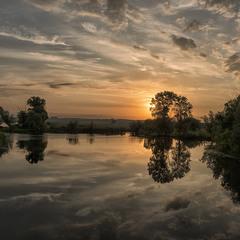 Вознесенський світанок на озері Солонецькому...