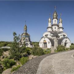 Церква Св. Євгенія і двінниця Данила.