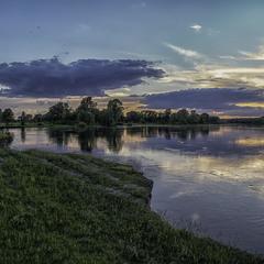 Повноводна Десна...