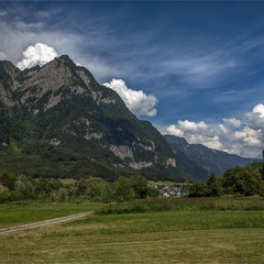 между Австрией и Швейцарией