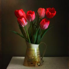 натюрморт с тюльпанами (стилизация)