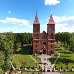 Сельский костел в Литве