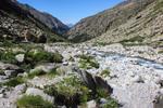 тече собі річка