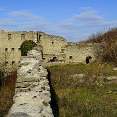 На руїнах замку