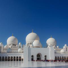 Мечеть шейха Зайда - Расположена в Абу-Даби.ОАЭ.