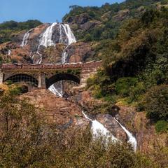 Акведук и каскад водопадов...Гоа,Индия!