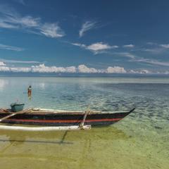 """Одинокий """"рыбак""""... Филиппины!"""
