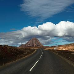 Путешествуя(на автомобиле) по Исландии...