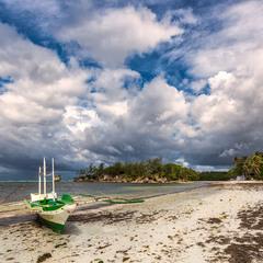 о.Боракай, Филиппины...по сле шторма,отлив и кайтеры!