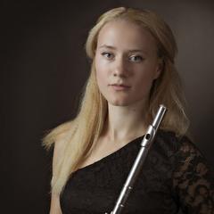 Портрет девушки с флейтой