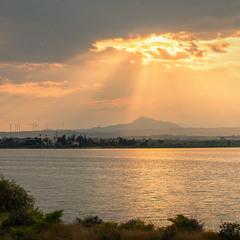 Вечір на озері Алікі