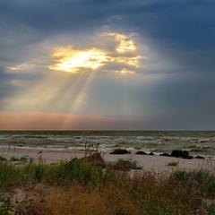 Луч солнца перед бурей.