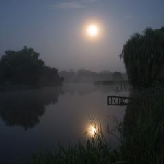 Туманная лунная ночь...