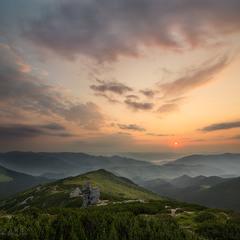 Рассвет на Вухатом Камне.