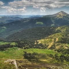 Там, де гори з небом обнялись