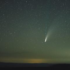 C/2020 F3 (NEOWISE) над Большим Бермамытом