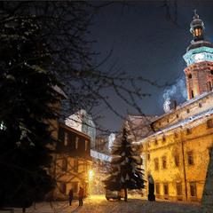 Вечір у дворі Бернардинів