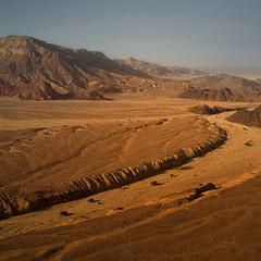 Бурные реки пустыни...