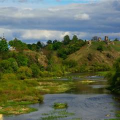 Велич Случа. Вид на руїни Губківського замку