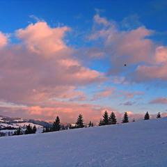 Краски зимнего заката. Одинокий дельтапланерист