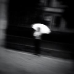 Про белый зонтик