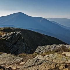 Чорногора із видом на гору Петрос...