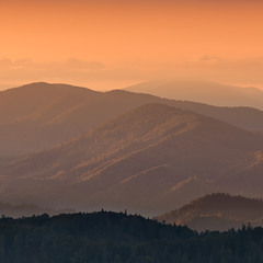 ...схід сонця в горах...