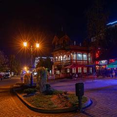 пізній вечір пізньої осені в місті Трускавець...