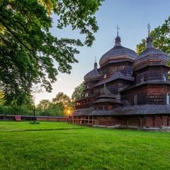 ...останній весняні промені цього року для Дрогобицької реліквії...