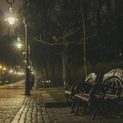 Парк Івана Франка вночі