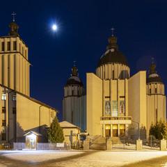 Храм святих Володимира і Ольги УГКЦ на Симоненка