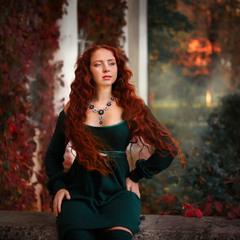 Девушка-осень с душой акварельною...
