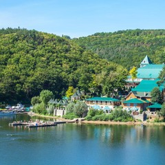 Чарівні місця України