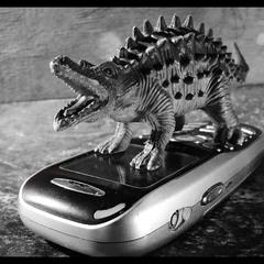 ...мобильный вирус угробил всё живое на земле...