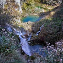Серед водоспадів і озер