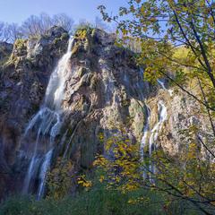Осінні водоспади