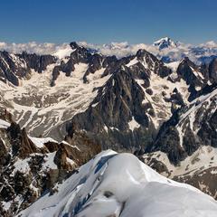 В оточенні альпійських вершин