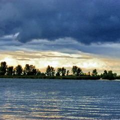 Между небом и водой.
