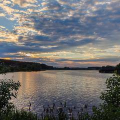Вечір на озері.