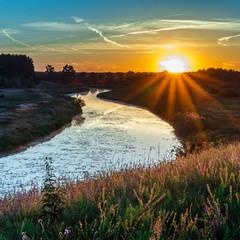 Схід сонця на р. Остер