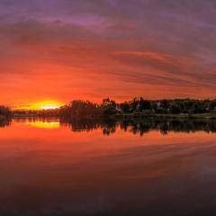 Палаючий захід сонця