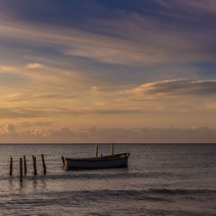 Одного світанку на морі.