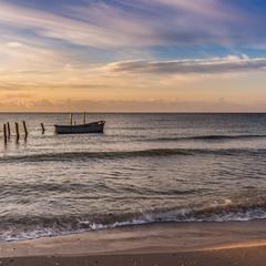 Одного світанку на морі