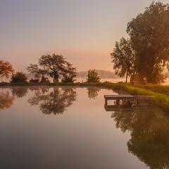 Осінній ранок на озері