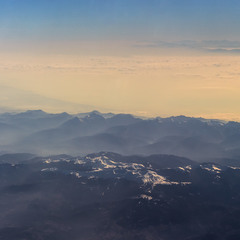 Подивись з гори до низу. 10 000 +