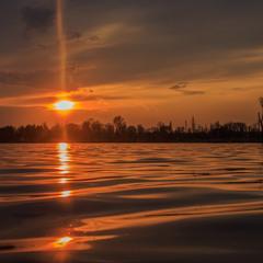 Вечером на озере.