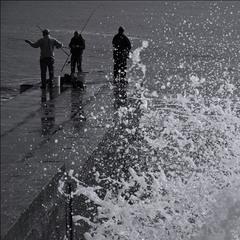 Рыбалка пуще шторма))