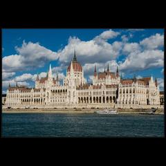 Будапешт. Парламент. Вид с катера.
