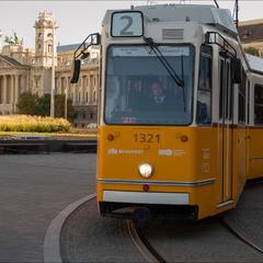 Про задумчивого водителя будапештского трамвая))